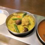 南インド家庭料理 カルナータカー - ミックス野菜のココナッツカレー