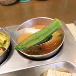 南インド家庭料理 カルナータカー - サンバールから