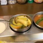 南インド家庭料理 カルナータカー - ココナッツカレーから