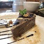 びーんず - 料理写真:豆腐のチョコ風ケーキ 380円