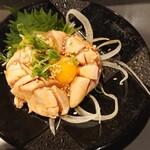 松阪味噌焼 ホルモン酒場 - とりユッケ  580円