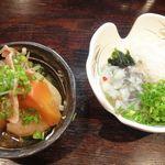 呑ん兵 - 料理写真:肉じゃが&タコわさび