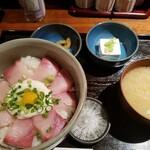 東京酒BAL 塩梅 - ぶりトロ月見山かけ丼