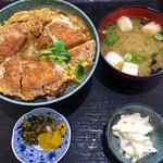 浜乃家 - 「カツ丼」(650円)をいただきました。