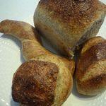 キビヤベーカリー - 食パンやオリーブパンなどなど