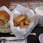 メルフィ バーガー - チーズバーガーとポテトのセット