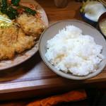 とんかつ冨貴 - ロースカツ定食(980円)カキフライ1個(200円)