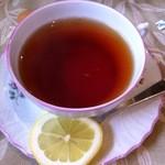 カレーの店 百里香 - 紅茶(豚バラチーズカレー850円)