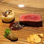アカ - 炭火焼きの山形黒毛和牛のヒレ肉
