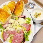 プロムナードカフェ - 料理写真:ローストビーフサラダ