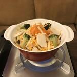 122005518 - トリプルチーズ鍋。                       美味し。