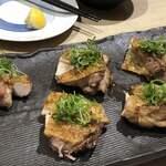 日本酒・和食処 神田 木花 - 鳥もも肉の炭火焼き