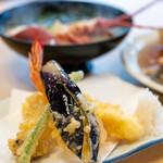 活魚料理 びんび家 - 2019.12 びんび定食(3,500円)海老、イカ、タコ、茄子、インゲンの天ぷら