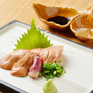 九州養鶏生産者からの「厳選仕入れ」厳選地鶏の希少部位なども。