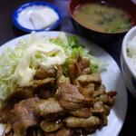 女良食堂 - 豚肉のにんにく焼き
