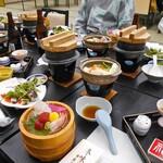 ホテル小柳 - 夕食(はじめに並んでいた料理)
