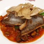 122022297 - お魚料理:お魚のポアレ。スズキと黒むつでグランメルソース。
