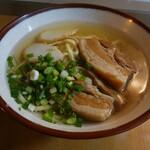 なかむら屋 - 三枚肉そば(700円税込)