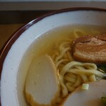 なかむら屋 - 透明度の高いスープ