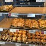 ヴィ・ド・フランス - 店頭に並ぶパン
