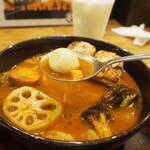 スープカレーGARAKU - とろとろ炙り焙煎角煮(うずら玉子)
