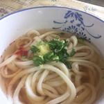 宮川製麺所 - ワイフのかけうどん いりこなしです