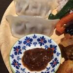 ブータンキッチン - モモのアップ