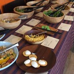 ブータンキッチン - サラダバー