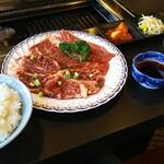 房州園 - 料理写真:カルビーとハラミ