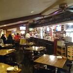 KeMBY's Brew Pub - 広々としています。