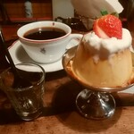 BAR 喫茶 探偵 - 料理写真:クラシックプリン、季節のブレンド