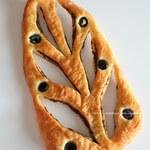 イトキト - バジルとオリーブのパン
