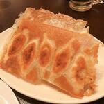 中国家庭料理 ニイハオ - 羽根つき餃子