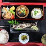 御食事処 田舎屋 - 料理写真:ヤマメ定食♪