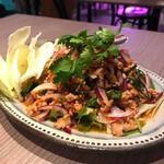 タイ料理 コンロウ - 鶏ひき肉のイサーンサラダ