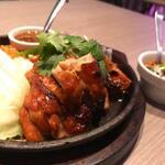 タイ料理 コンロウ - CONROWローストチキン