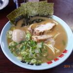 横浜家系 元町家 - ラーメン(豚骨醤油)