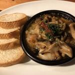 イタリア食堂 Ciao!! - 海老と3種キノコのアヒージョ