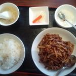 北京老飯店 - 豚肉細切りの中華味噌炒め 850円