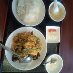 北京老飯店 - 豚肉とキクラゲとタマゴの炒め 800円