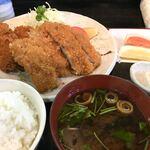 串よし - コロッケ&チキンカツ定食 ¥850(税込) 2019/12現在