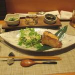 甚三紅 - 自家製漬け焼き魚膳