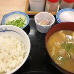 松屋 - 料理写真:選べる小鉢の玉子かけごはん(小ライス)