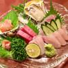 Tagosakutsuki - 料理写真:「刺身盛り合わせ B(平目、鯛、マグロ中トロ、赤貝、生牡蠣)」@1800+「天然かんぱち(五島)」@950