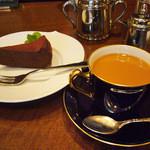 プルミエカフェ - チョコケーキと珈琲の相性は最高☆
