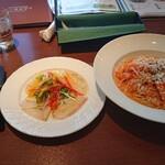 トスカチーナ - 料理写真:ズワイガニとエビの贅沢トマトクリームパスタ 1,500円(税込) 前菜セット(白身魚のカルパッチョ~さっぱりグレープフルーツソース~) 390円(税込)