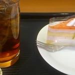 カフェ ベローチェ - ストロベリーチーズケーキととアイスティ