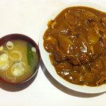 ピッチャーゴロ - 料理写真:カツカレー550円