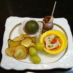 鶴生館 - 前菜の一例です。