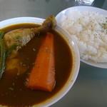チーカフェ - 薬膳スープカレー チキン